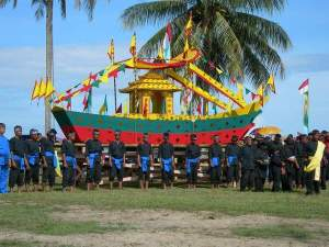 IRAW TENGKAYU 2007 Dalam Rangka HUT Ke-10 Kota Tarakan - Ardiz Tarakan